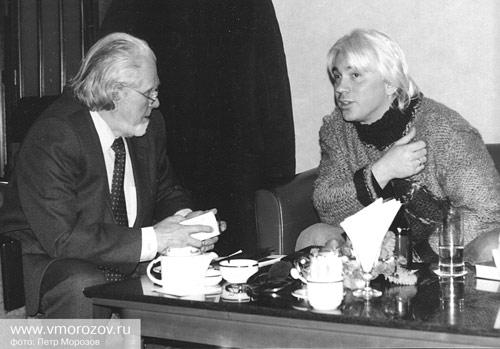 Дмитрий Хворостовский во время беседы с В.П. Морозовым